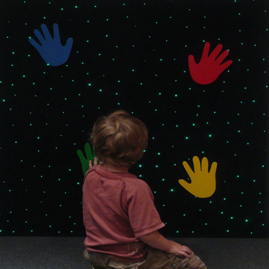 Interactive LED Hand Carpet – Interaktivni LED tapet sa otiscima ruku